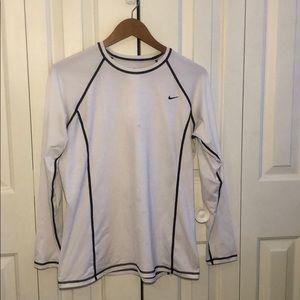 Women's XL white nike long sleeve shirt